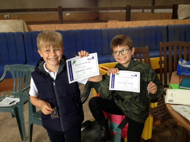 Thumbnail image for Riders awarded Showjumping certificates